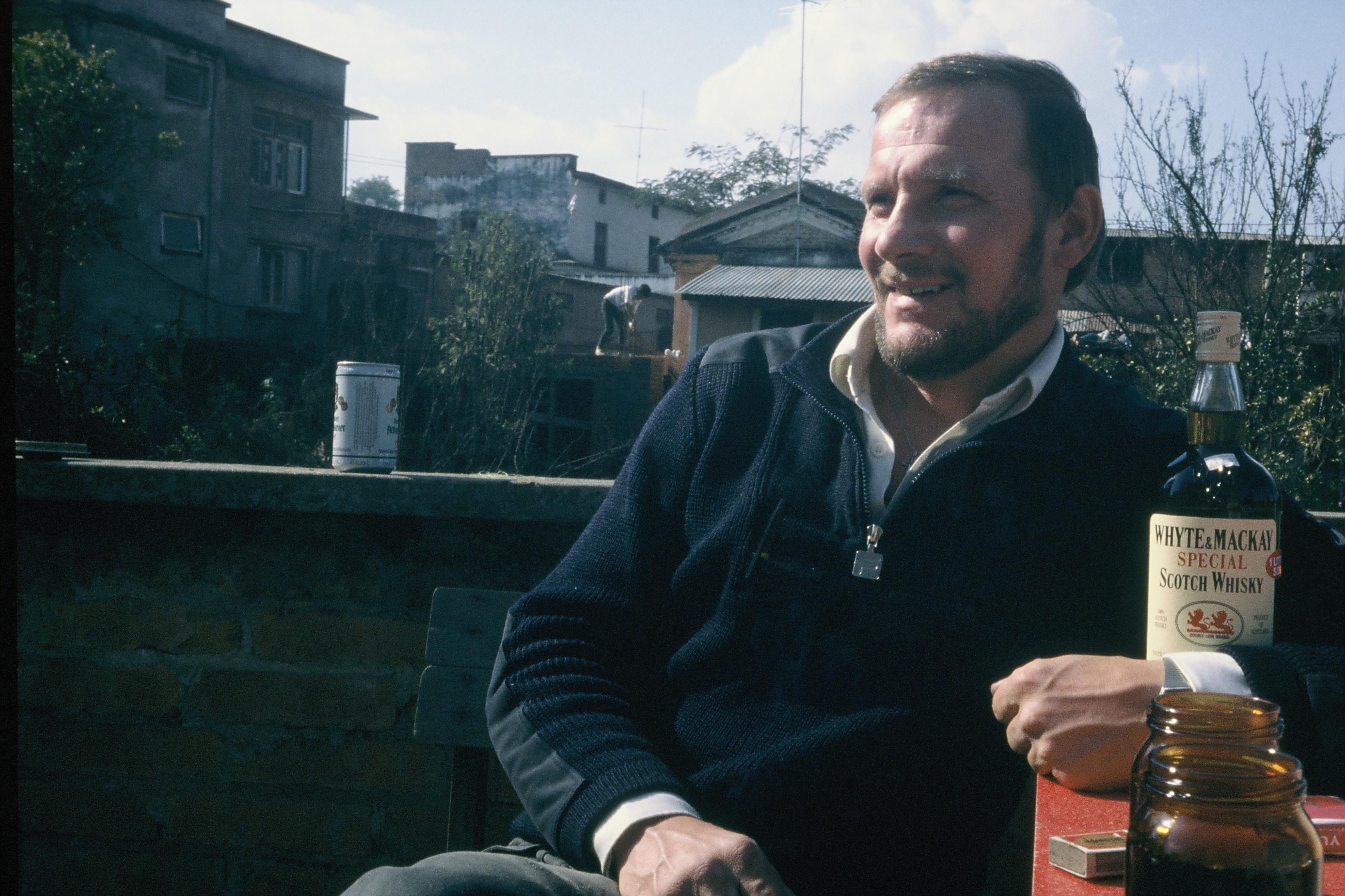 Jerzy Kukuczka w Katmandu przed wyprawą na Annapurnę