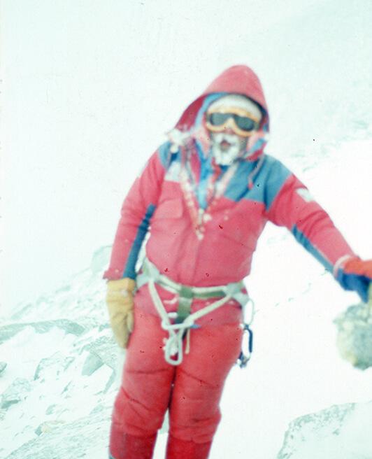 Andrzej Czok. Zdjęcie wykonane najprawdopodobniej podczas zejścia ze szczytu
