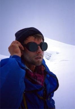 Wojtek Kurtyka, corrects glacial glasses.